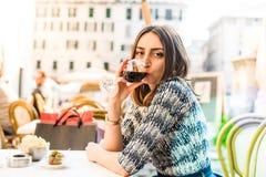 Αγαπώ το κόκκινο κρασί Στοκ Εικόνα