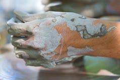 αγγειοπλάστης s χεριών Στοκ εικόνες με δικαίωμα ελεύθερης χρήσης