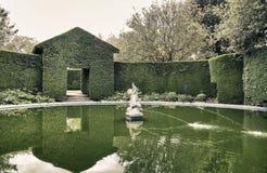 Αγγλικός κήπος αναδρομικός Στοκ φωτογραφία με δικαίωμα ελεύθερης χρήσης