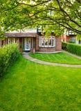 Αγγλικός μπροστινός κήπος Στοκ Εικόνες