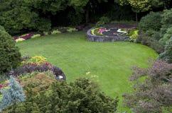 αγγλικό μυστικό μονοπατιών κήπων πορτών Στοκ Φωτογραφία