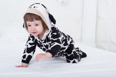 αγελάδα κοστουμιών μωρών Στοκ φωτογραφία με δικαίωμα ελεύθερης χρήσης