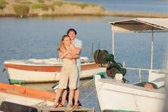 Αγκαλιάσματα ηλιοβασιλέματος Στοκ φωτογραφία με δικαίωμα ελεύθερης χρήσης