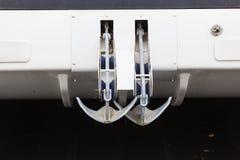 Αγκύλες δύο βάρκα Στοκ Εικόνες