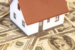 αγοράζοντας σπίτι στοκ εικόνες με δικαίωμα ελεύθερης χρήσης