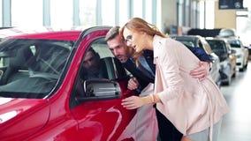 αγοράζοντας το αυτοκίνη απόθεμα βίντεο