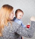 Αγοράκι και μαμά Στοκ Φωτογραφίες