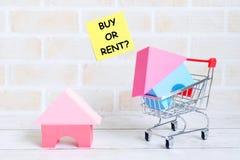 Αγοράστε ή νοικιάστε; στοκ φωτογραφία με δικαίωμα ελεύθερης χρήσης