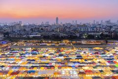 Αγορά αρουραίος-cha-DA νύχτας τραίνων στοκ φωτογραφίες με δικαίωμα ελεύθερης χρήσης