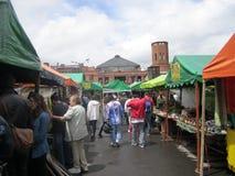 Αγορά και άνθρωποι Στοκ εικόνα με δικαίωμα ελεύθερης χρήσης