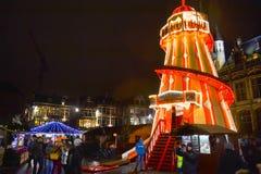 Αγορά και πύργος Χριστουγέννων κεντρικός Gent στοκ εικόνα