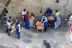 Αγορά οδών Σχάρα τηγανητών προμηθευτών στοκ φωτογραφίες με δικαίωμα ελεύθερης χρήσης
