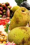 αγορά στην πόλη με τα εξωτικά φρούτα Στοκ φωτογραφία με δικαίωμα ελεύθερης χρήσης
