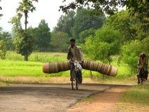 αγορά στον τρόπο στοκ φωτογραφία