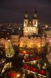 Αγορά Χριστουγέννων στην παλαιά πλατεία της πόλης στην Πράγα Στοκ φωτογραφίες με δικαίωμα ελεύθερης χρήσης