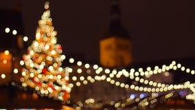 Αγορά Χριστουγέννων στην παλαιά πόλη στο Ταλίν απόθεμα βίντεο
