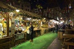 Αγορά Χριστουγέννων στην πλατεία Vorosmarty στη Βουδαπέστη, Ουγγαρία Στοκ Φωτογραφία