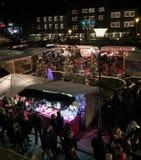 Αγορά Χριστουγέννων τη νύχτα Στοκ Φωτογραφίες