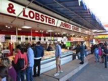 Αγορές για τα φρέσκα θαλασσινά Στοκ Φωτογραφία
