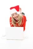 αγορές Διαδικτύου κοριτσιών Χριστουγέννων περιοδείας Στοκ φωτογραφία με δικαίωμα ελεύθερης χρήσης