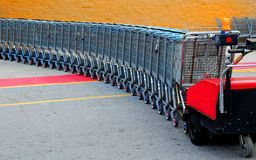 αγορές σειρών κάρρων Στοκ Φωτογραφία