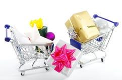 Αγορές στα Χριστούγεννα - αγορές Χριστουγέννων Στοκ Εικόνες