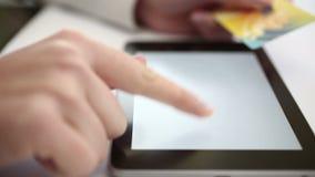 Αγορές στην ψηφιακή ταμπλέτα φιλμ μικρού μήκους