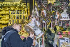 Αγορές Χριστουγέννων της ΠΡΑΓΑΣ, ΔΗΜΟΚΡΑΤΊΑ ΤΗΣ ΤΣΕΧΊΑΣ â€ «στις 12 Δεκεμβρίου 2011 Πράγα Στοκ εικόνες με δικαίωμα ελεύθερης χρήσης