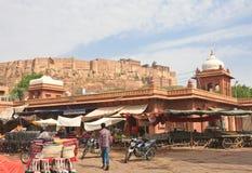 Αγορές arcade στην πόλη του Jodhpur Rajasthan, Ινδία Στοκ Φωτογραφία