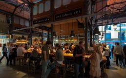 Αγορές arcade της διάσημης αγοράς SAN Miguel στη Μαδρίτη Στοκ φωτογραφία με δικαίωμα ελεύθερης χρήσης