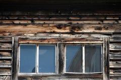 αγροτικά δύο Windows σπιτιών Στοκ Φωτογραφία