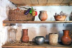 Αγροτικά εργαλεία στα ράφια Στοκ Εικόνα