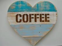 Αγροτική ανακυκλωμένη ξύλινη καρδιά καφέ Στοκ Εικόνα