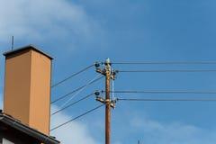αγροτική αρχιτεκτονική του κτηρίου επαρχίας με τη στέγη ηλιακή και το ο Στοκ φωτογραφίες με δικαίωμα ελεύθερης χρήσης