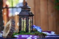 Αγροτική γαμήλια ρύθμιση επιτραπέζιων φαναριών Στοκ Εικόνες