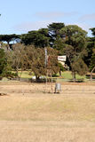Αγροτικός ανεμόμυλος στον εσωτερικό Αυστραλία στο νησί του Phillip Στοκ φωτογραφία με δικαίωμα ελεύθερης χρήσης