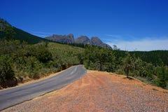 Αγροτικός δρόμος Montagu, Καίηπ Τάουν αυτοκινητόδρομων περασμάτων βουνών στοκ εικόνες
