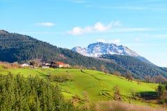 Αγροτικός τουρισμός στους βασκικούς τομείς χώρας, Ισπανία Στοκ εικόνα με δικαίωμα ελεύθερης χρήσης
