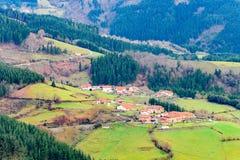 Αγροτικός τουρισμός στους βασκικούς τομείς χώρας, Ισπανία Στοκ φωτογραφίες με δικαίωμα ελεύθερης χρήσης