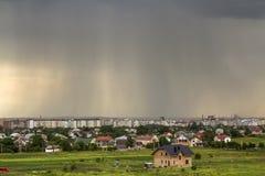 Αγροτικό έδαφος για την ανάπτυξη στον πράσινο τομέα Νέος μην τελειωμένος bric Στοκ φωτογραφία με δικαίωμα ελεύθερης χρήσης