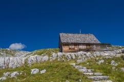 Αγροτικό αυθεντικό σπίτι στα βουνά στην Αυστρία Στοκ Εικόνες