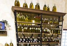 Αγροτικό κατάστημα κρασιού sangria και του ελαιολάδου στο έδαφος αρχιτεκτονικού σύνθετου Poble Espanyol Δημιουργημένος το 1929 γι Στοκ Εικόνες