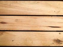 Αγροτικό καφετί ξύλινο υπόβαθρο με τις οριζόντιες σανίδες στοκ εικόνες