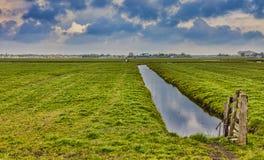 Αγροτικό ολλανδικό τοπίο Στοκ Φωτογραφίες
