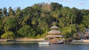 Αγροτικό παραθαλάσσιο θέρετρο μαργαριταριών φάρων Parolo, samal νησί, πόλη davao, Φιλιππίνες απόθεμα βίντεο