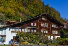 Αγροτικό σπίτι σε Brienz, Ελβετία στοκ εικόνες