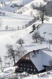 Αγροτικό σπίτι το χειμώνα Στοκ εικόνα με δικαίωμα ελεύθερης χρήσης