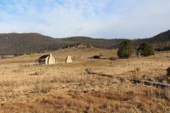 Αγροτικό σπίτι Orroral από το α μακριά Στοκ Εικόνες