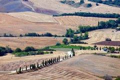 Αγροτικό τοπίο επαρχίας στην Τοσκάνη στοκ εικόνες