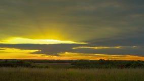 Αγροτικό τοπίο και ηλιοβασίλεμα, μακροχρόνιο χρόνος-σφάλμα απόθεμα βίντεο